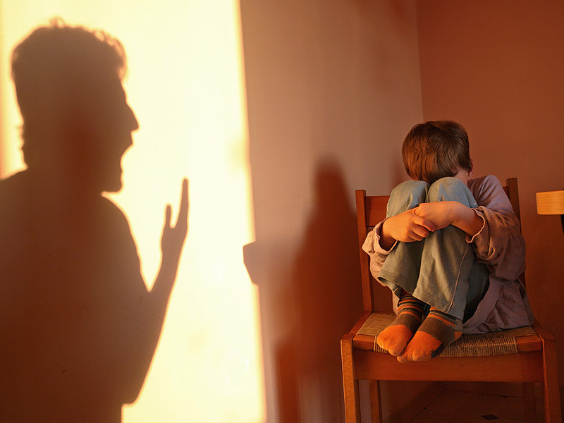 ts_140313_child_parent_yelling_abuse_800x600